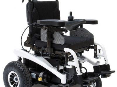 Sparky lasten sähköpyörätuoli.